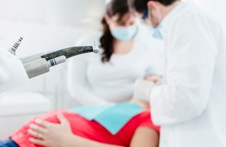 Лечение зубов при беременности